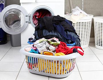 Как отстирать краску с одежды и что делать, если бессильна даже химчистка