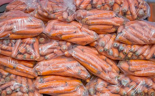 Морковь в пакетах