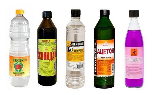 Бутылки с средствами от клопов