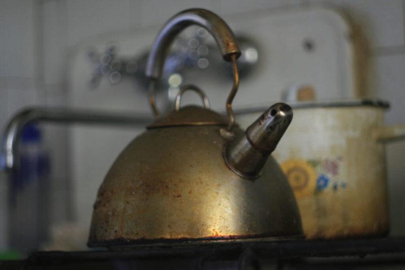 Грязный чайник