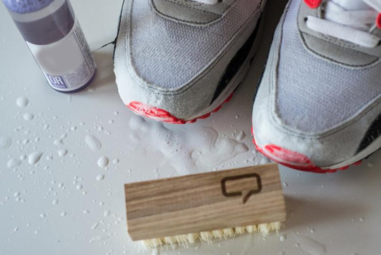 Вымыть замшевые кроссовки